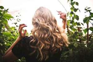 Best Curling Iron For Fine Hair Featured Image